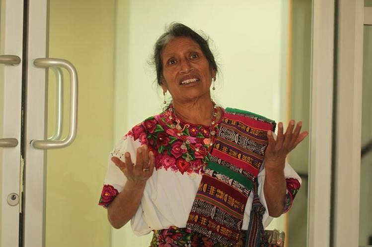 La enfermera maya que conoce deleyes
