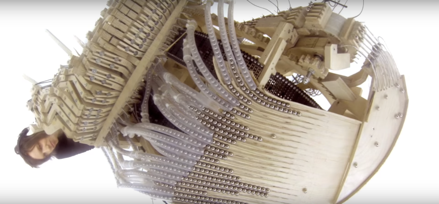 Musical instrument uses 2,000 marbles to play incrediblemusic