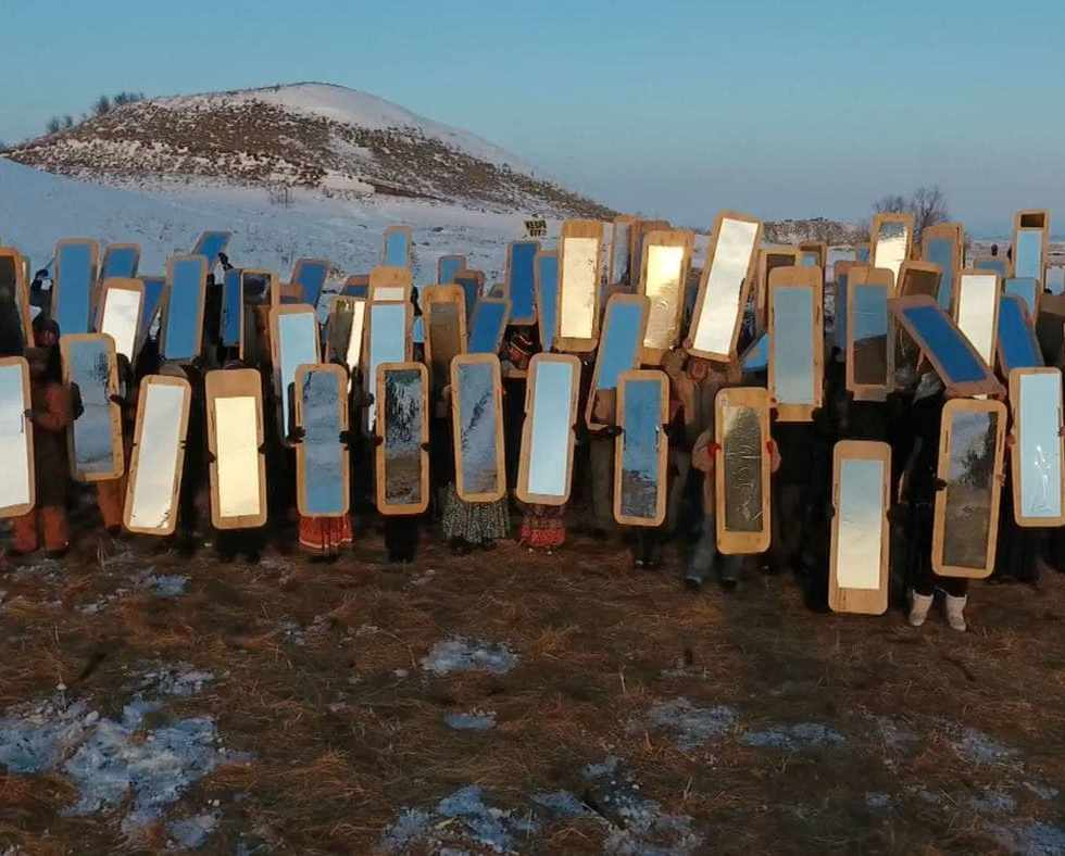 The artist who made protesters' mirrored shields says the 'struggle porn' media miss point of Standing Rock