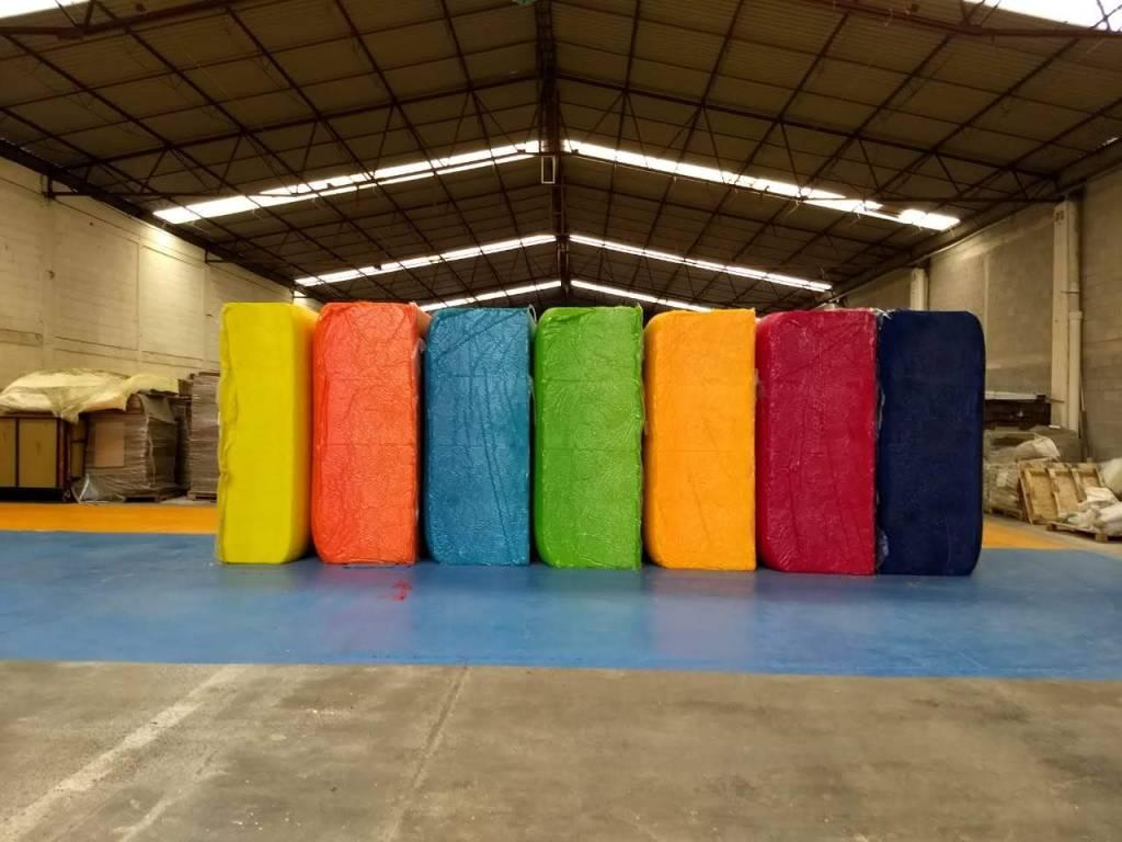 Nuestro material de arte en las bodegas de Industrias TTAIO